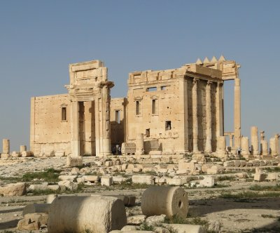 Islamic State damages Palmyra temple of Bel