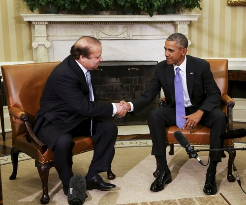 Obama talks defense with Pakistani PM Sharif at White House