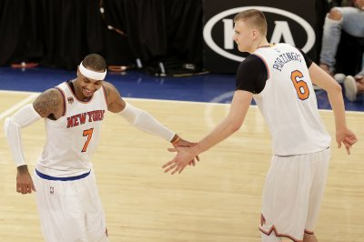 Kristaps Porzingis, New York Knicks slip past Miami Heat