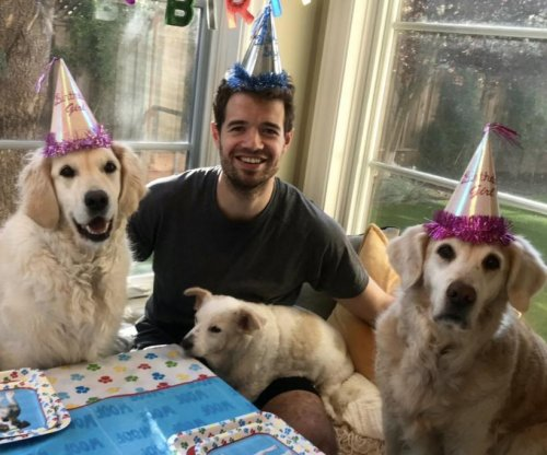 Sharks' Marc-Edouard Vlasic has birthday party with dogs