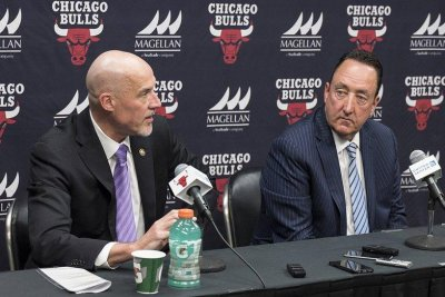 Chicago Bulls fire longtime general manager Gar Forman