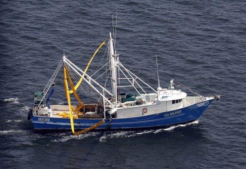 Fishing trends threaten marine predators