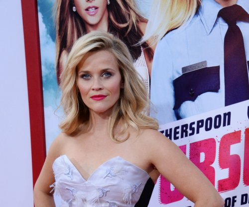 Reese Witherspoon interested in making 'Legally Blonde 3'