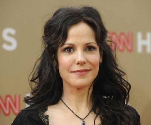 Mary-Louise Parker references Billy Crudup split in new memoir