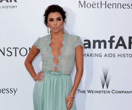 Eva Longoria gets engaged, shows off beautiful new ring