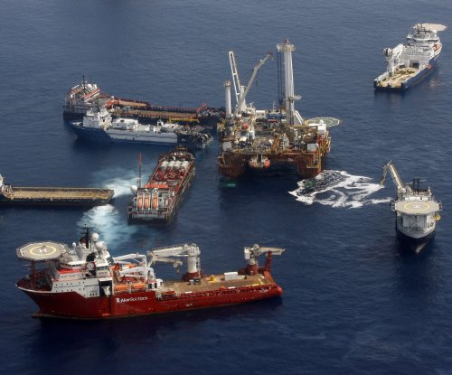 Statoil cuts spending to prepare for rebound