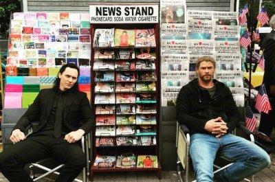 Chris Hemsworth, Tom Hiddleston reunite on 'Thor: Ragnarok' set