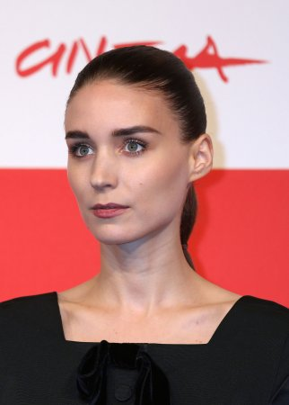 Rooney Mara signs on to musical 'Ziggy'