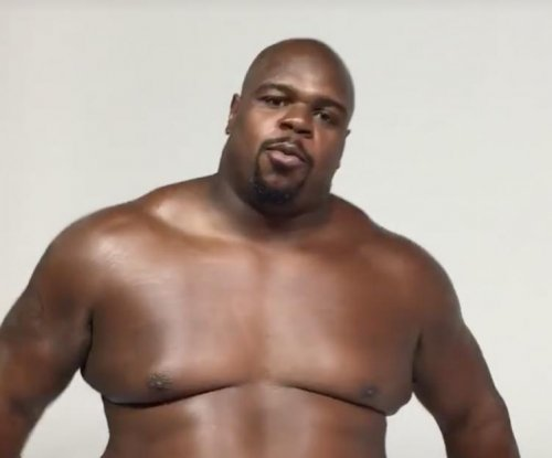 Nude Vince Wilfork flirts with Gisele, teases Tom Brady