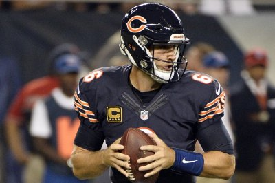 Fantasy Football update: Chicago Bears QB Jay Cutler out with thumb injury