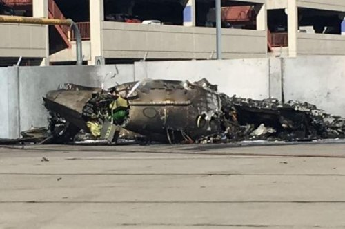 Two die in plane crash at Tucson airport