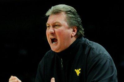 No. 10 West Virginia beats No. 24 Iowa State in regular-season finale