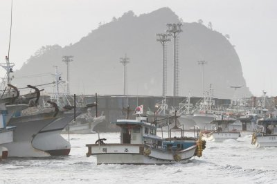 North Korea returns South Korean fishermen