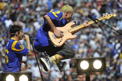Red Hot Chili Peppers to kick off global stadium tour in 2022