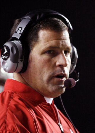 Buccaneers hire Schiano as head coach