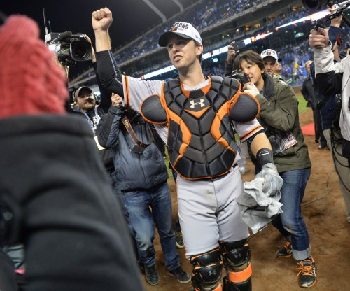 San Francisco Giants' Buster Posey exits game with right foot contusion