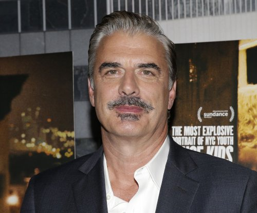 Chris Noth and Andy Cohen recreate classic 'Sex and the City' scene