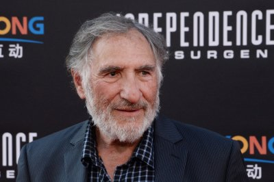 Judd Hirsch, Katey Sagal and Jermaine Fowler to star in 'Superior Donuts' for CBS