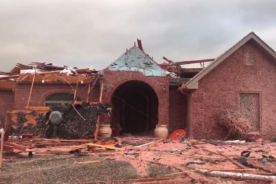 Tornadoes kill one in Wisconsin, another in Oklahoma