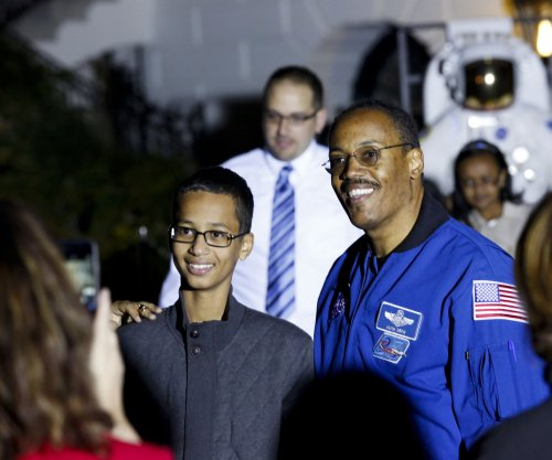 Judge dismisses 'clock boy' lawsuit
