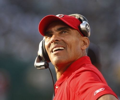 ESPN analyst Herm Edwards to interview for Arizona State Sun Devils job