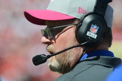 Dolphins to name Eric Studesville, George Godsey as co-offensive coordinators