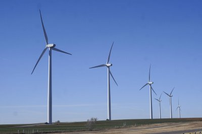 U.S. signs first offshore wind farm lease