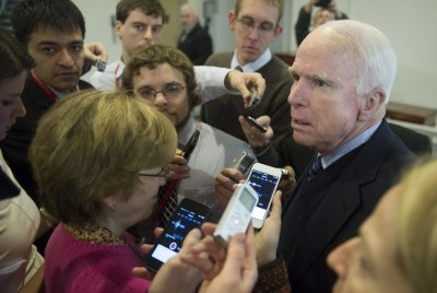 Senators divided over appropriate response to ISIS in Iraq