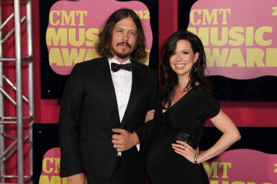 The Civil Wars announce break up, unveil one last song
