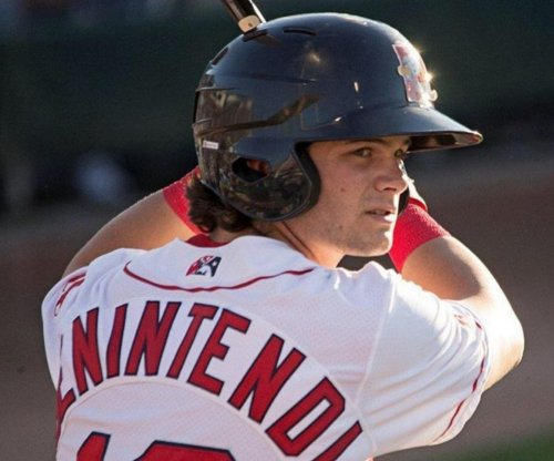 Knee injury lands Boston Red Sox OF Andrew Benintendi on DL