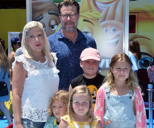 Tori Spelling, Dean McDermott open to sixth child: 'Never say never'