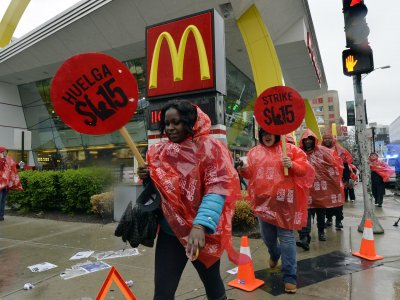 From New York to Chicago, fast food workers walk out and strike nationwide
