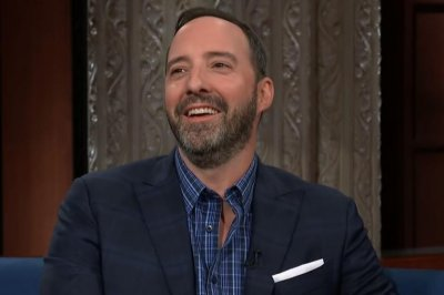 Tony Hale says final season of 'Veep' is 'drunk on dysfunction'