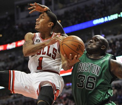 Rose lands 5-year extension from Bulls