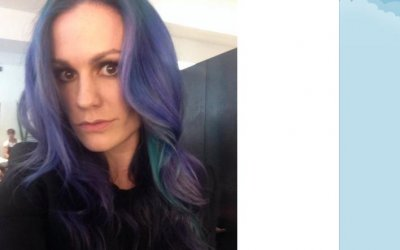 Anna Paquin dyes her hair in 'mermaid' colors