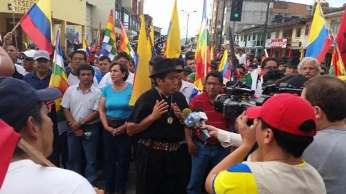 Hundreds of indigenous Ecuadorians in 400 mile march toward Quito