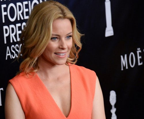 Elizabeth Banks in talks to helm 'Charlie's Angels' reboot