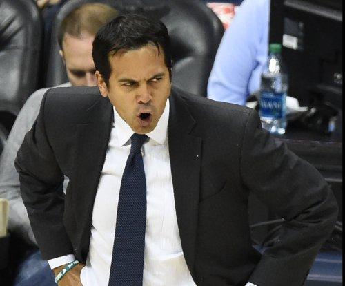 Miami Heat hold on against Sacramento Kings