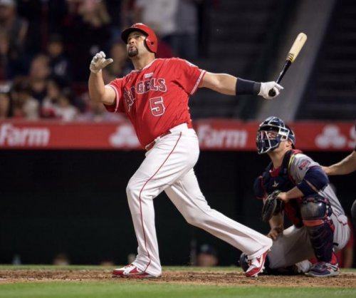 Albert Pujols hits grand slam for No. 600