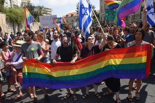 Israeli LGBT community protests exclusion from surrogacy law