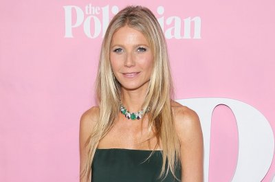 Gwyneth Paltrow introduces new Goop candle on 'Tonight Show'