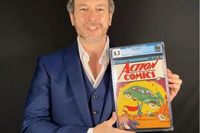 Watch:-Superman's-1938-first-appearance-sells-for-a-record-$3.25M
