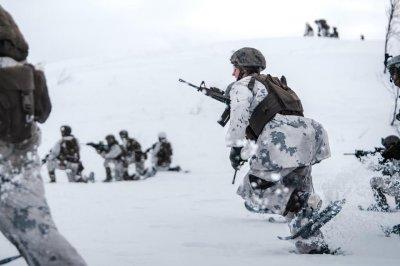 U.S. Marines, Norwegian military hold Arctic training exercise
