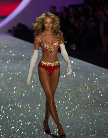 Candice Swanepoel sports $10 million bra at Victoria's Secret Fashion Show