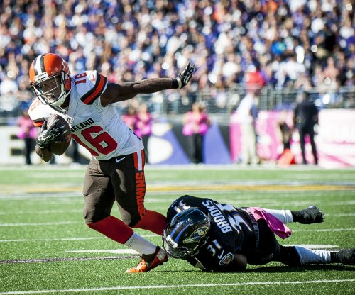 Cleveland Browns cut WR Andrew Hawkins