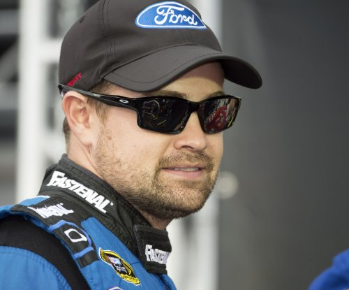 2017 GEICO 500 Talladega Update: Ricky Stenhouse knocks Dale Earnhardt Jr. off Talladega pole