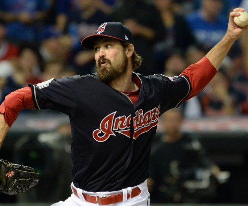 Cleveland Indians hitters lift struggling pitching in 8-7 victory over Tampa Bay Rays