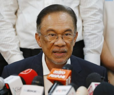 Former ruling coalition tabs Anwar Ibrahim as next Malaysian PM