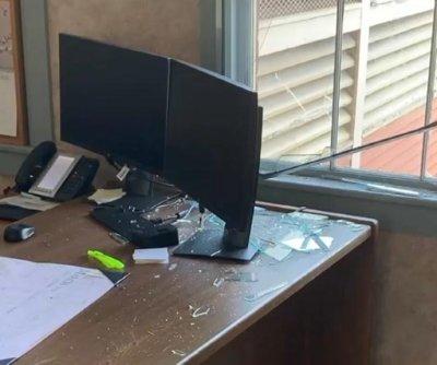 Deer crashes through window of Vermont bank