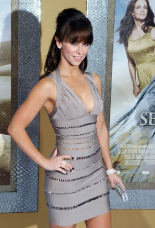 Jennifer Love Hewitt's beau no turkey